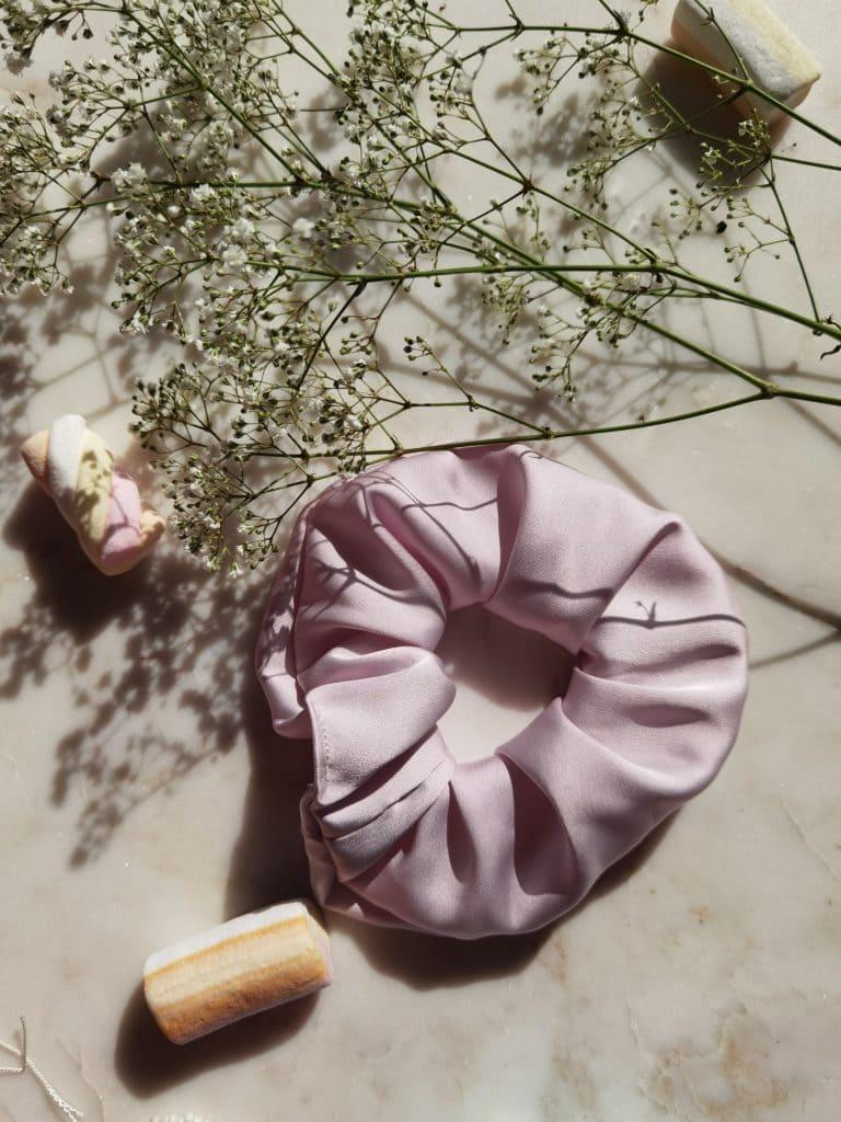 Gumka z jedwabiem KLARA